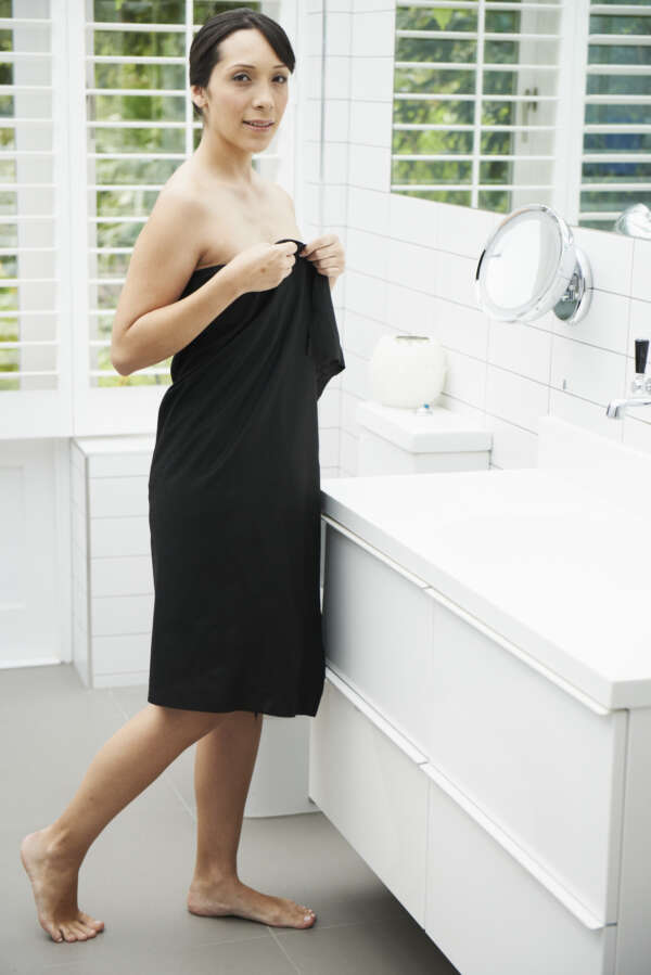 Easydry Large Disposable Towel for baths, showers, gyms, beauty and more